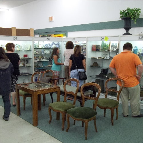 Antique World – Gun Show – December 3-4 – $5 admission plus Holiday  Sale at Antique Mall – December 19 thru 31, 2016- Clarence NY
